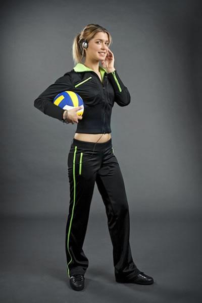 Смотреть спортивные костюмы женские